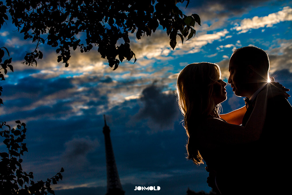 Eiffel Tower Portait Photographer